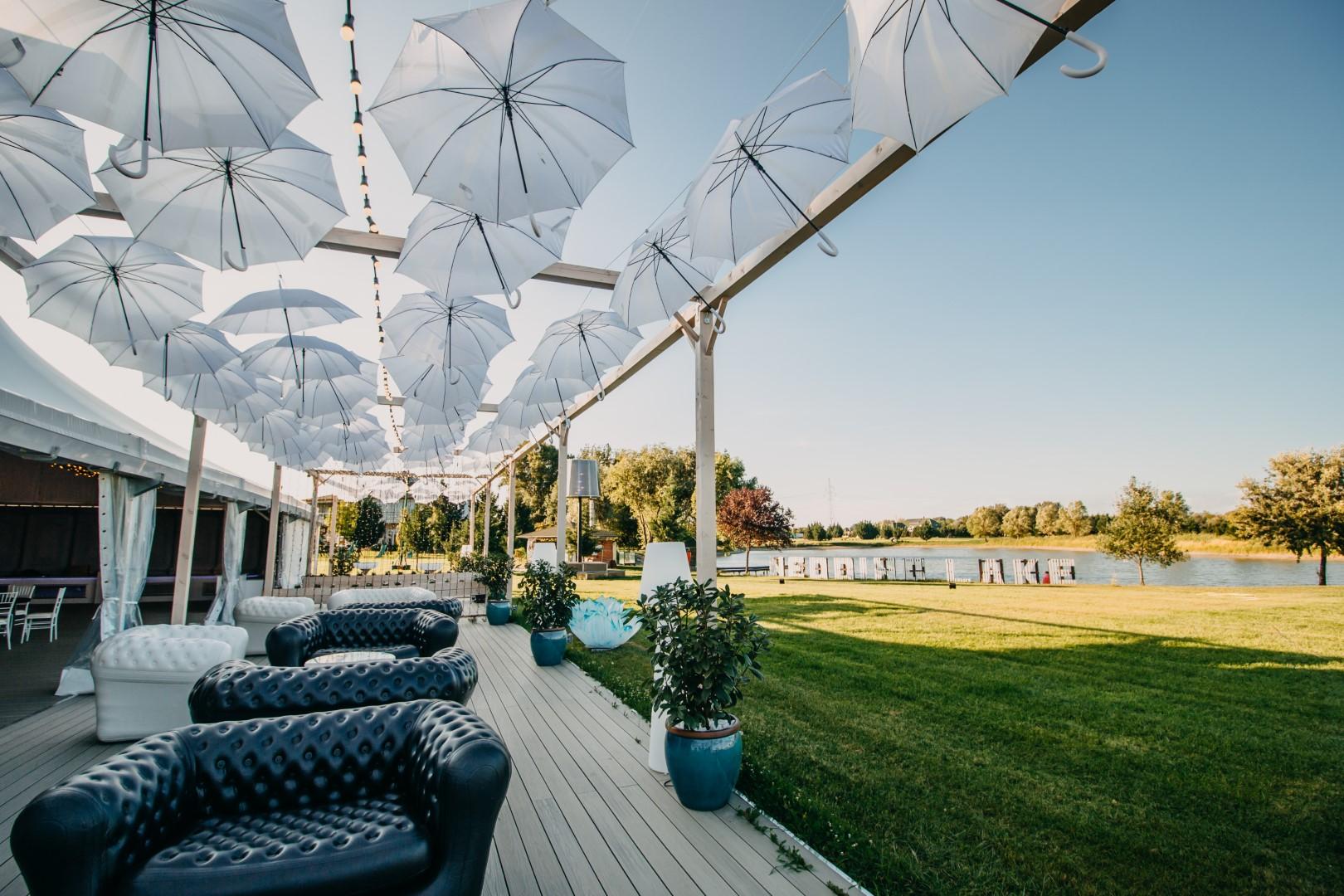 wedding lake 32