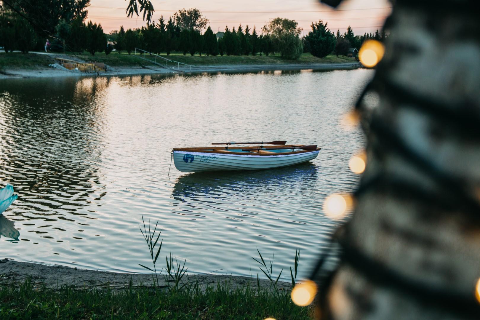wedding lake 36